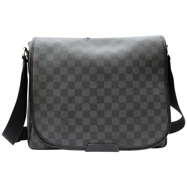 44b0d386b21a Louis Vuitton Damier Graphite Crossbody Bag For Sale at 1stdibs