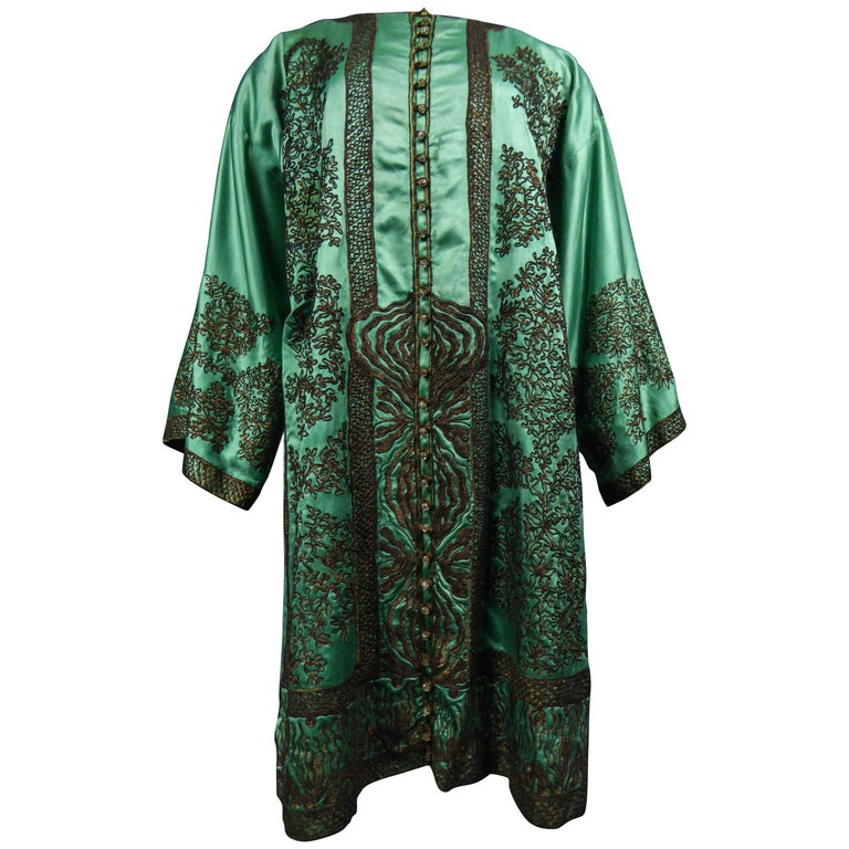 Babani Couture Kaftan or Party Kimono in green satin with appliqué, circa 1915 For Sale