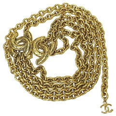 CHANEL Vintage Triple Chain Belt in Gilt Metal