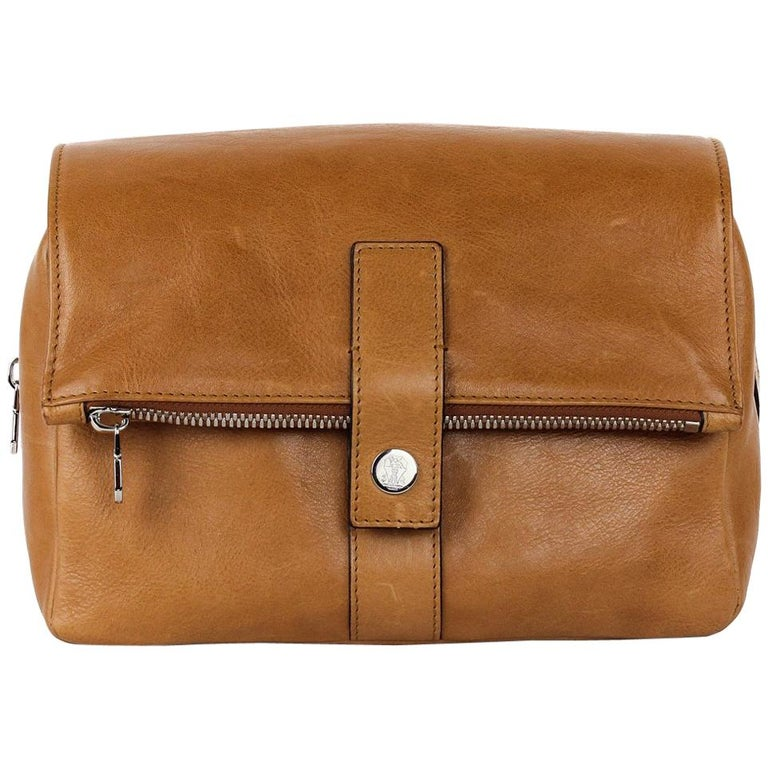 b14e99f926ef Brunello Cucinelli Men s Light Brown Leather Wash Bag For Sale at ...