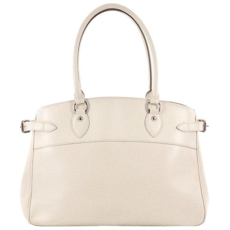 Louis Vuitton Passy Handbag Epi Leather GM For Sale at 1stdibs 885c37896c