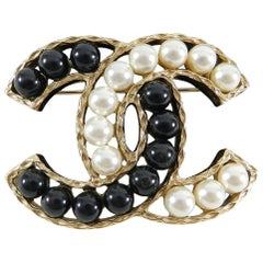 Chanel 16B Pearl and Black Bead Gold CC Brooch Pin