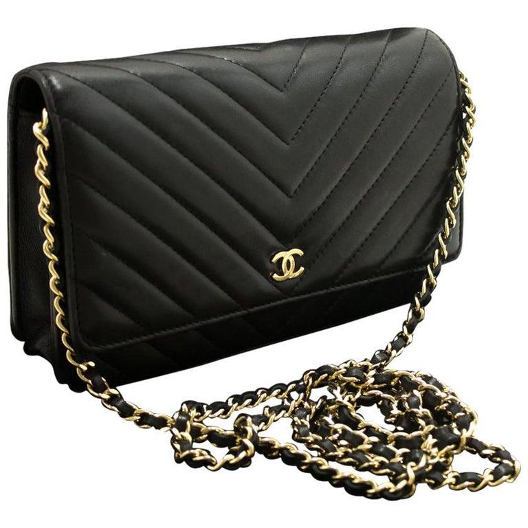 a38ee545c975f6 Chanel V-Stitch Black Wallet On Chain Crossbody Shoulder Bag For Sale