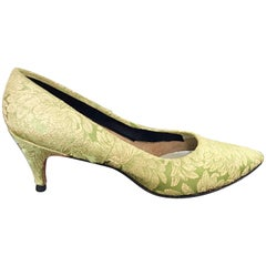 1950s Gaymode Size 8 / 8.5 Chartreuse Green + Gold Silk Brocade 50s High Heels
