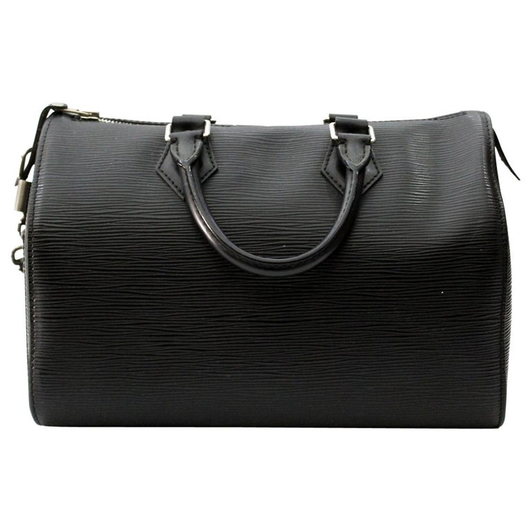 Louis Vuitton Epi Leather Cannes Round Vanity Bag At 1stdibs. Louis Vuitton  Black Epi Leather French Purse Wallet Nextprev Prevnext 4526f3d1381f6