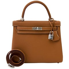 Hermès Kelly 25 Gold Togo PHW Bag