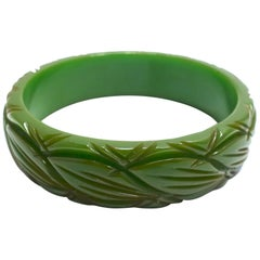 Green Bakelite Vintage Heavily Carved Bangle Bracelet