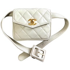 Chanel Vintage ivory / cream lambskin fanny pack hip bag with golden CC closure