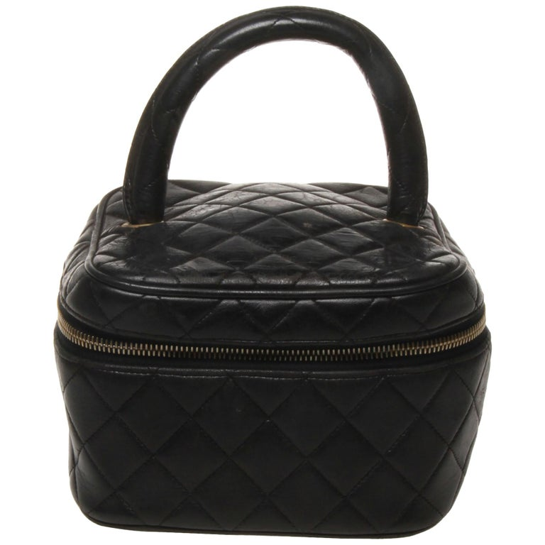 8c629d80b4c9 Chanel black quilted makeup case For Sale at 1stdibs