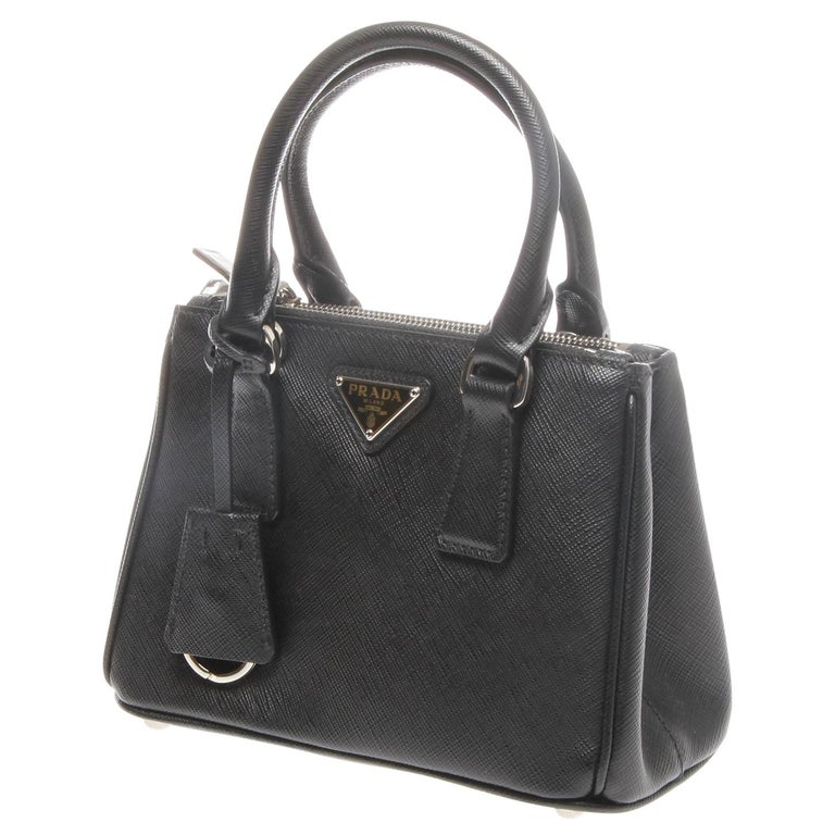 f6c73e53003f Prada Saffiano Lux Mini Promenade Bag For Sale at 1stdibs