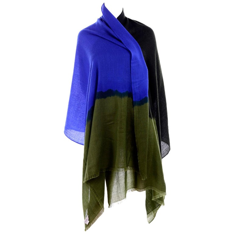 Oscar de la Renta Cashmere Scarf or Wrap in Black Green and Blue