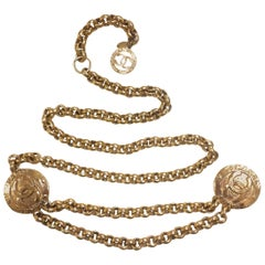 Vintage CHANEL nice and heavy golden chain belt with two large CC round charms.