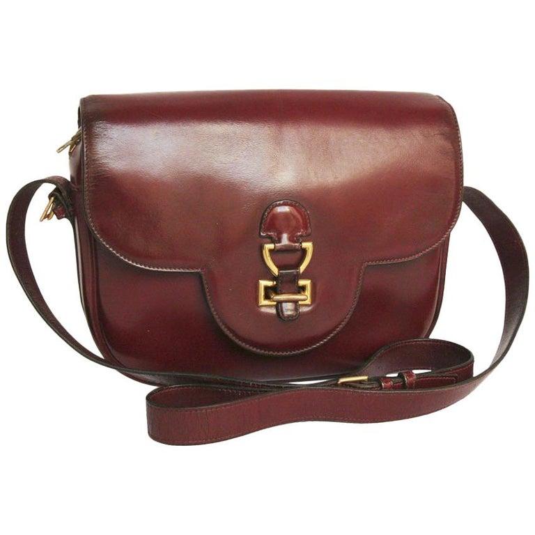 b7c3b97e1a290 HERMES Vintage Rote Tasche aus Leder bei 1stdibs