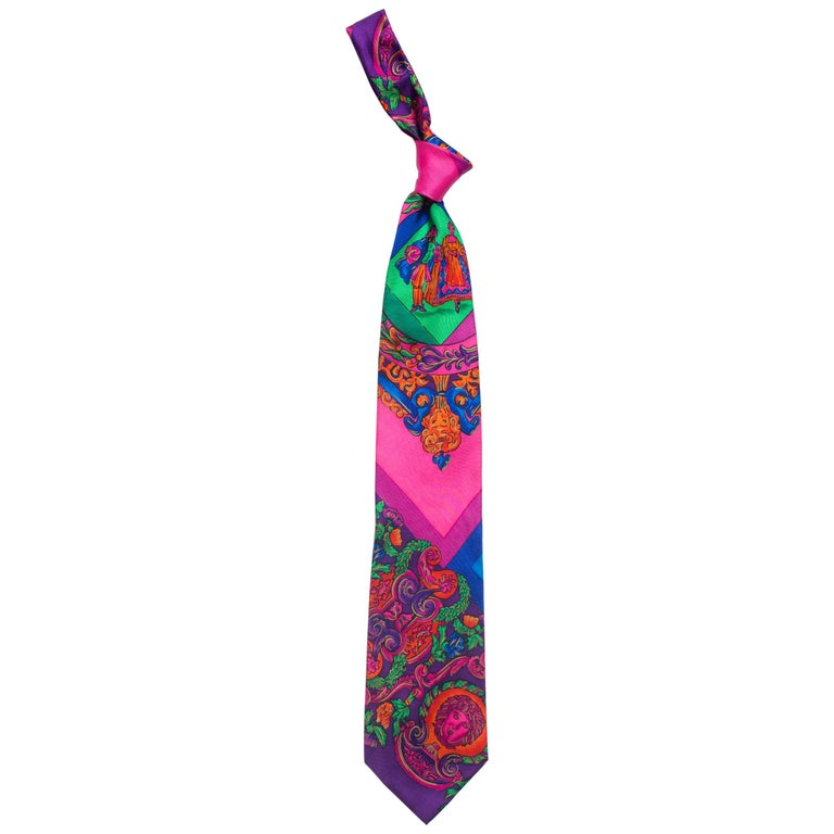 1990s Gianni Versace Hot Pink Medusa Silk Tie with Gold Metallic Accents For Sale