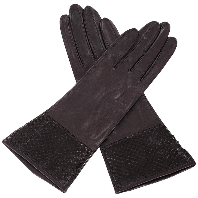 Carlos Falchi Black leather and Snakeskin Gloves Never Worn For Sale