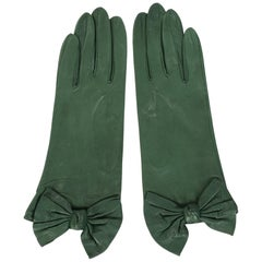 Carlos Falchi British Racing Green Leather Gloves with Bow Decoration Never Worn