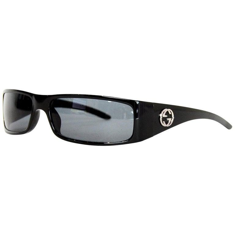 Gucci Vintage '90s Black Logo Square Sunglasses w. Case