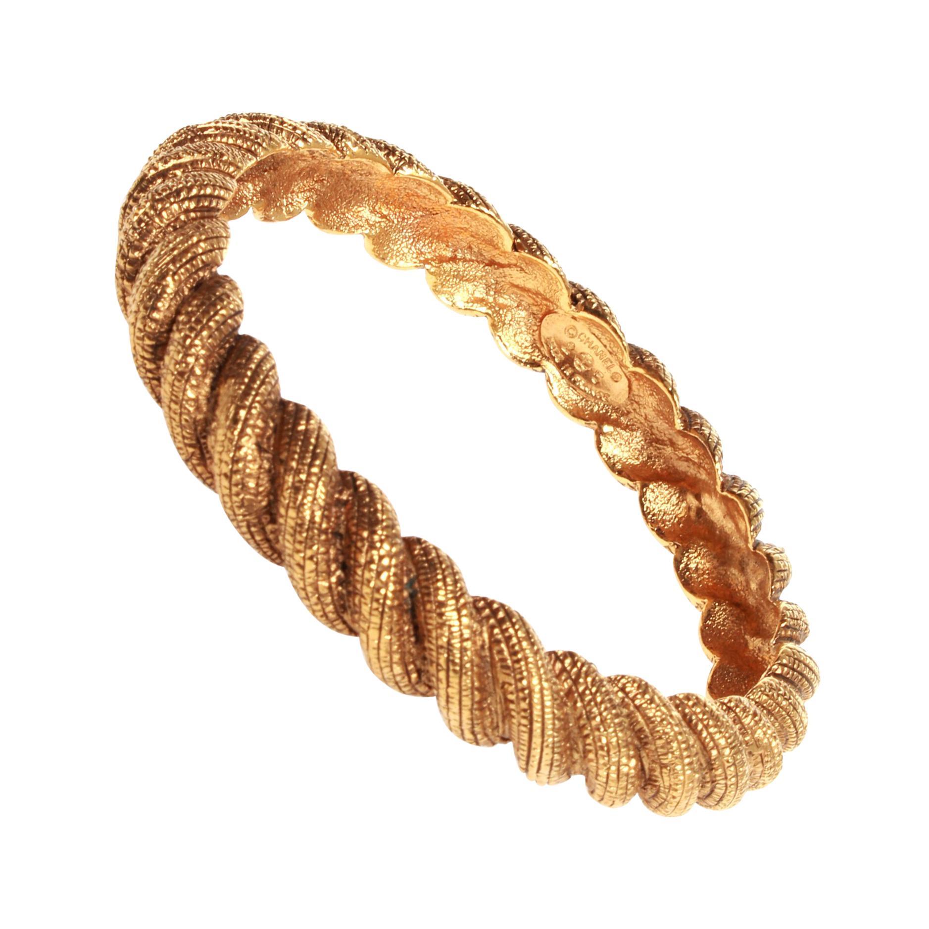 NEW $720 DOLCE /& GABBANA Bracelet Gold Brass Red Floral Roses Bangle One Size