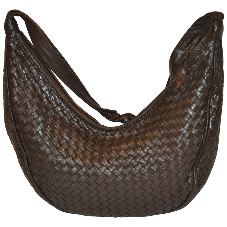 c42107caf6a5 Bottega Veneta Deep Coco-Brown Woven Lambskin Zippered-Top Shoulder Bag