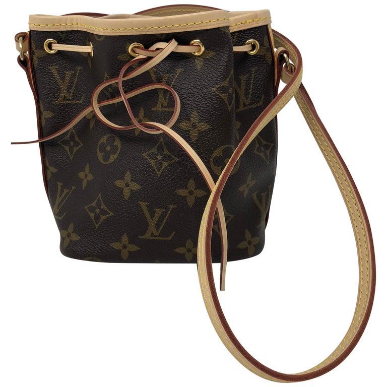 ed1e475ef76a Louis Vuitton Monogram Mini Noe Crossbody Bag For Sale at 1stdibs