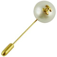 Chanel Vintage Pearl CC Logo Lapel Pin