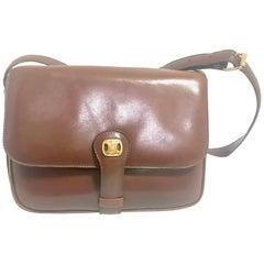 Celine Vintage genuine brown leather shoulder bag with golden logo motif