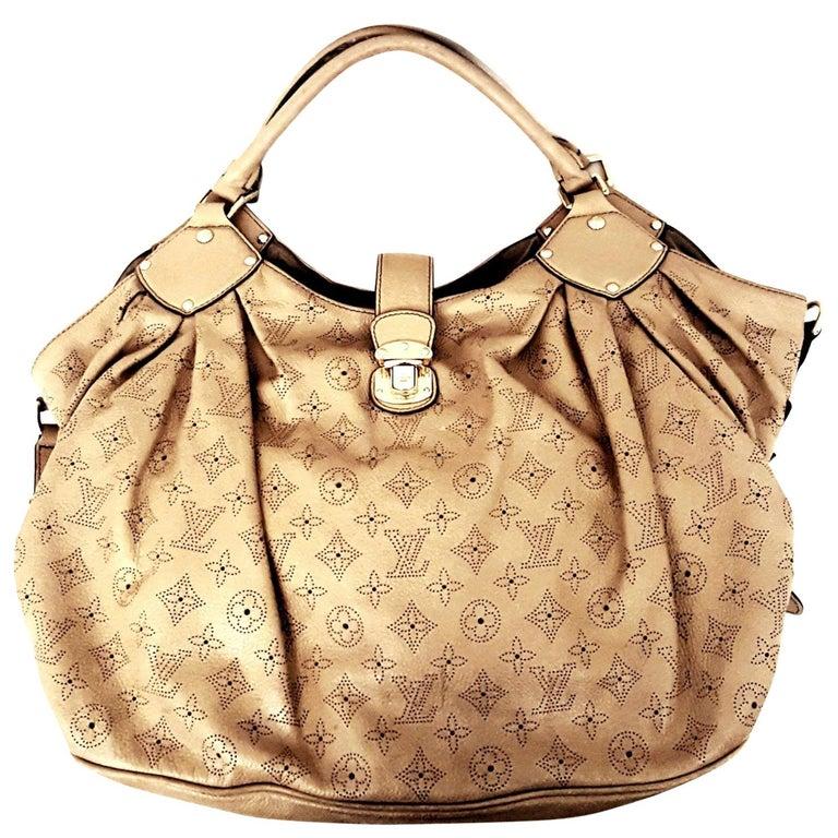 877ac5ab8c7e Louis Vuitton Mahina Hobo Taupe Bag For Sale at 1stdibs