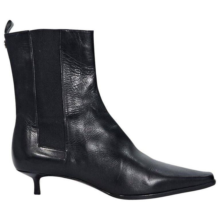 ccfe6d3647 Black Burberry Leather Chelsea Boots For Sale at 1stdibs