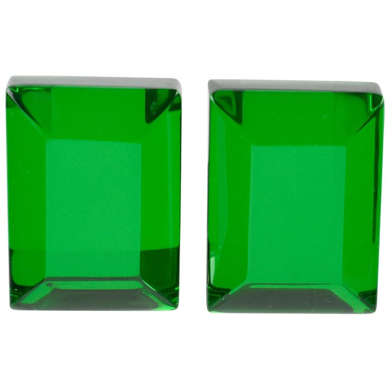 Harriet Bauknight for Kaso Oversized Emerald Green Lucite Clip on Earrings For Sale