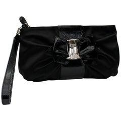 3feb8ab049 White Salvatore Ferragamo Leather Clutch For Sale at 1stdibs