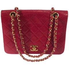 Chanel Vintage Red Quilted Lambskin Medium Flap Bag with Gold Chain Strap