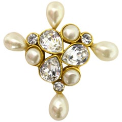 Chanel Vintage 1987 Faux Pearl & Crystal Goldtone Brooch Pin