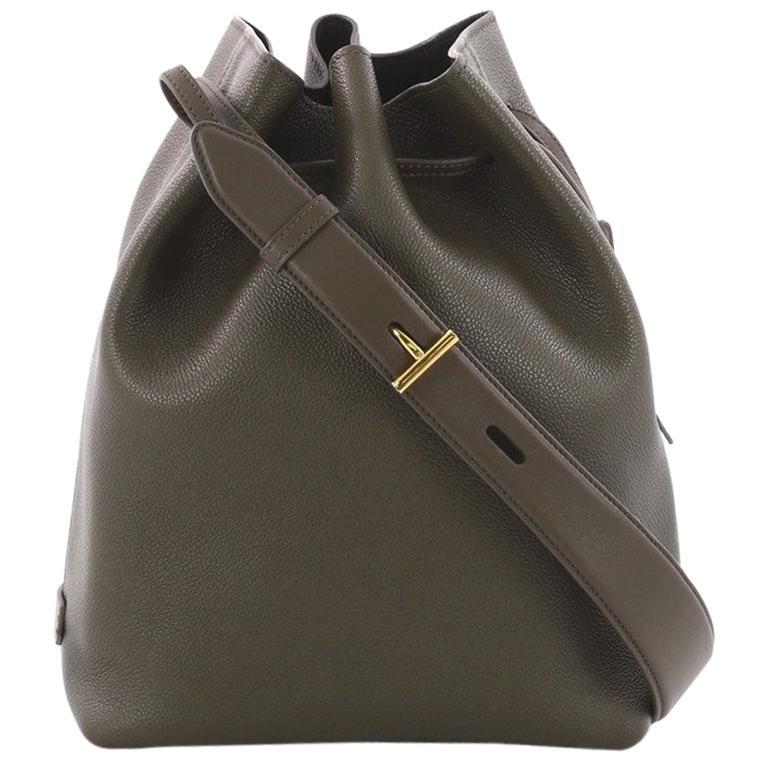 0923cb98246dd5 Tom Ford Edge Bucket Bag Leather Medium at 1stdibs