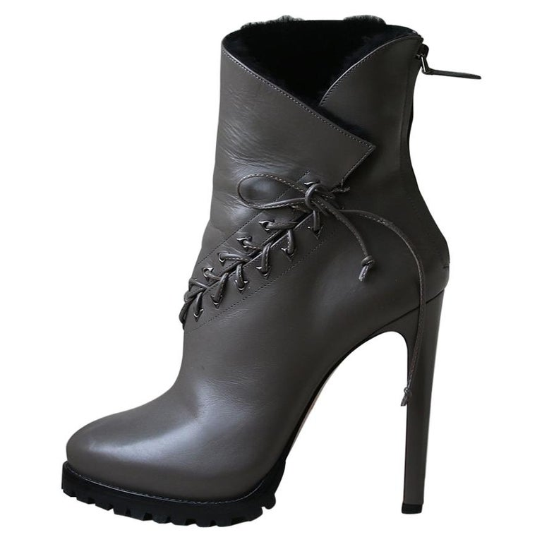 b640b40ea8a0 Azzedine Alaïa Shearling-Lined Lace-Up Leather Platform Ankle Boots For Sale