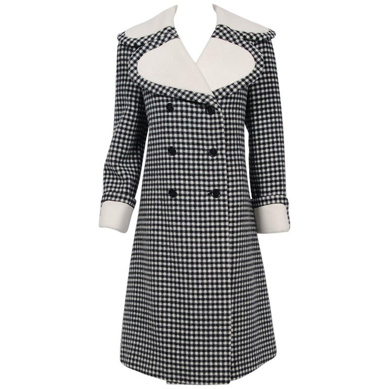 1965 Geoffrey Beene Black & Creme Checkered Wool Double-Breasted Mod Coat For Sale