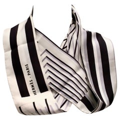 Hermes Scarf/Snood Rare black/White Silk