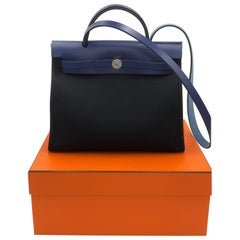 Hermes Bag Herbag ZIP 31 Toile Militaire/Vache Hunter Noir/Bleu Saphir