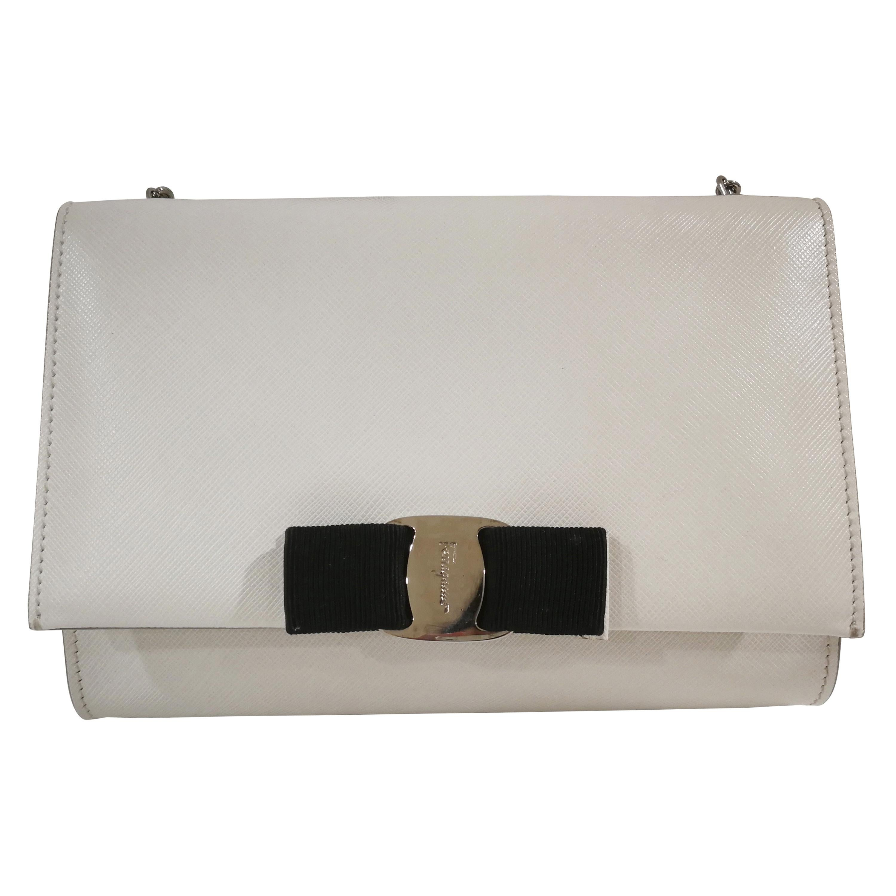 35e5a9922eb6 Salvatore Ferragamo White Leather Shoulder Bag NWOT For Sale at 1stdibs