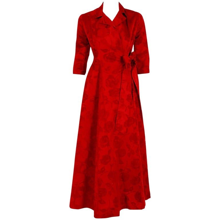 1962 Juel Park of Beverly Hills Couture Red-Roses Flocked Satin Dressing Gown For Sale