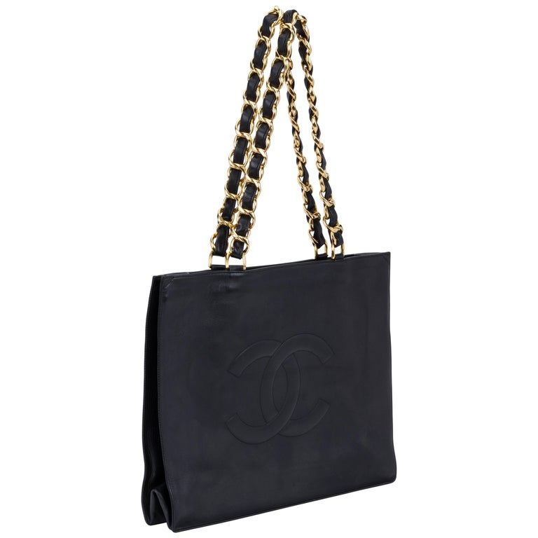 b52b07c2dbbe 1990 s Vintage Chanel Black Shopper Bag With Chains at 1stdibs