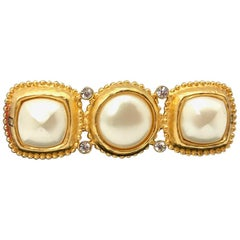 Fendi 1990s Vintage Gold Plated Brooch with Faux Pearls