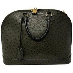 Louis Vuitton Alma Tasche aus Straußenleder