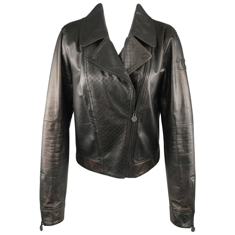CHANEL Leather Jacket - Size 10 Black Quilted Leather CC Zip Motorcycle Jacket For Sale