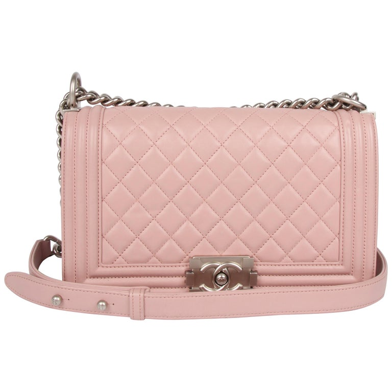1ce5eea555fbe3 Chanel Le Boy Bag Medium - dusty pale pink For Sale at 1stdibs