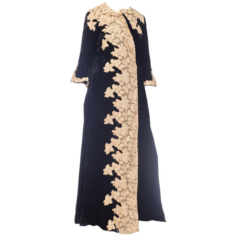 1920s Black Silk Velvet Robe With Nude Lace Applique For Sale At 1stdibs