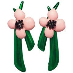 Oscar de la Renta Pink Resin & Green Enamel Flower Clip On Earrings in Gold