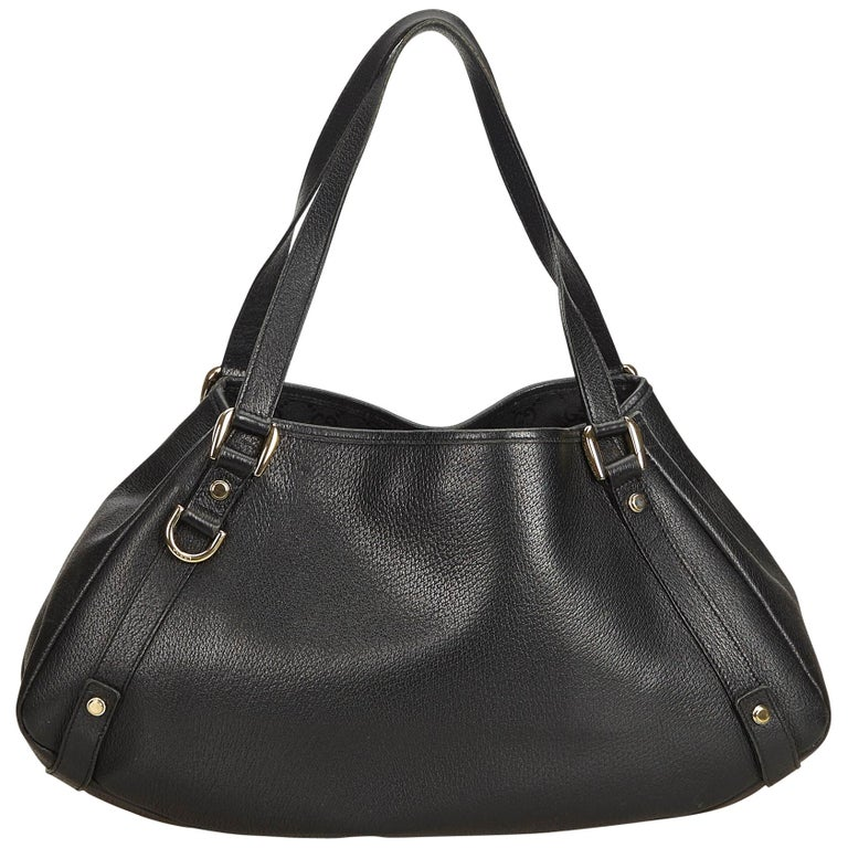 20568d28d0ee Gucci Black Leather Pelham Tote For Sale at 1stdibs