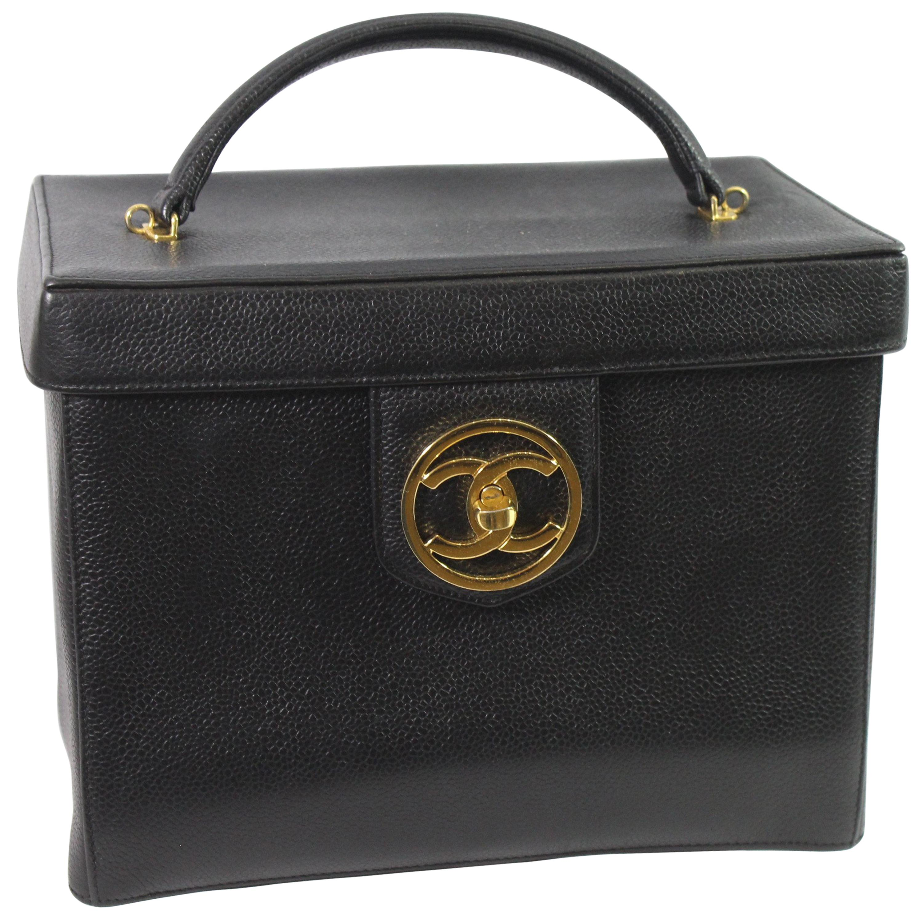 d5f16186722691 Chanel Vintage Rigide Vanity Case 90s Caviar Leather For Sale at 1stdibs