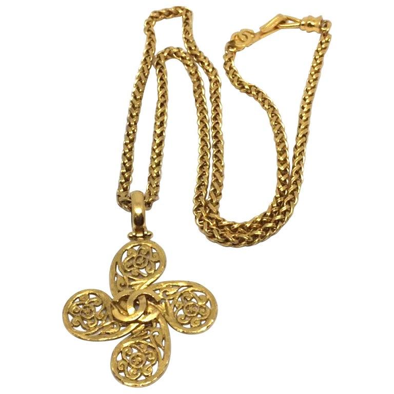 Chanel Pendant Necklace Autumn 1995 Collection For Sale