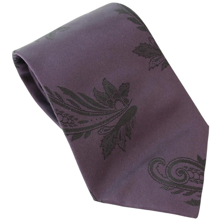 Gianni Versace Couture Purple Vintage Paisley Silk Tie, 1980s For Sale